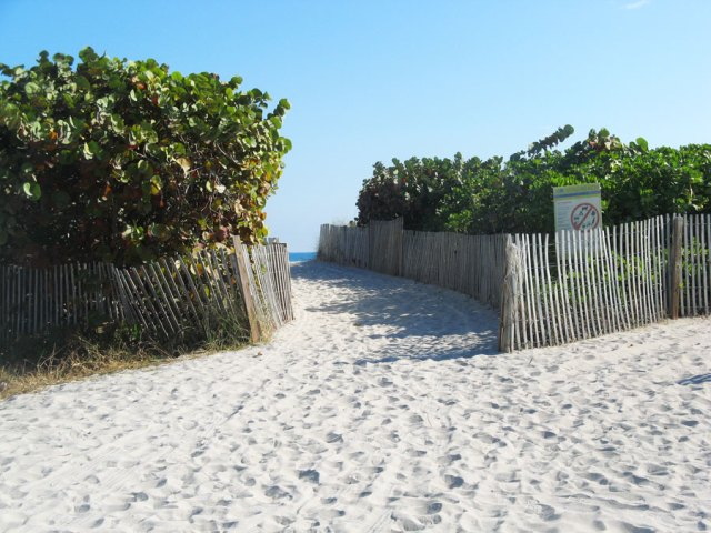 south beach miami, breakwater hotel beach access